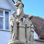 Szobor – Jézus Szíve-szobor a Szentcsaláddal, Boleráz  [Bélaház; Boleráz]